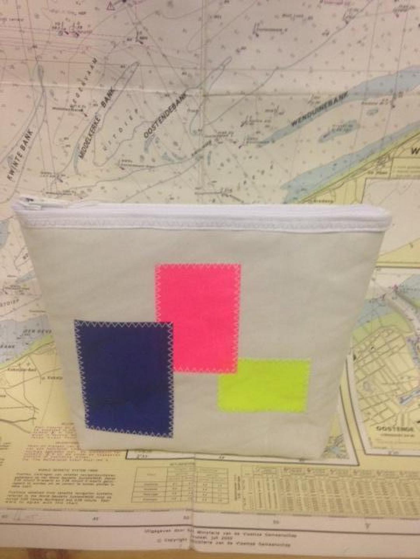 Toiletzak gekleurde vierkanten (klein) - Shopping De Panne