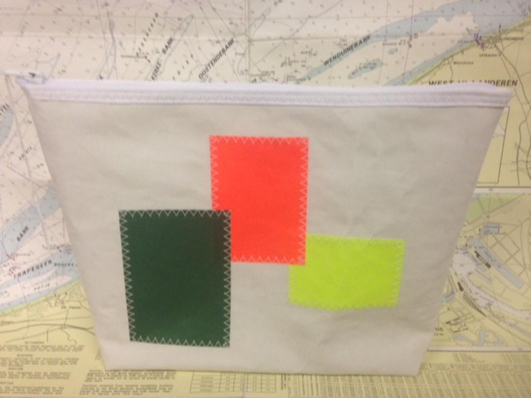 Toiletzak gekleurde vierkanten (kl1) - Shopping De Panne