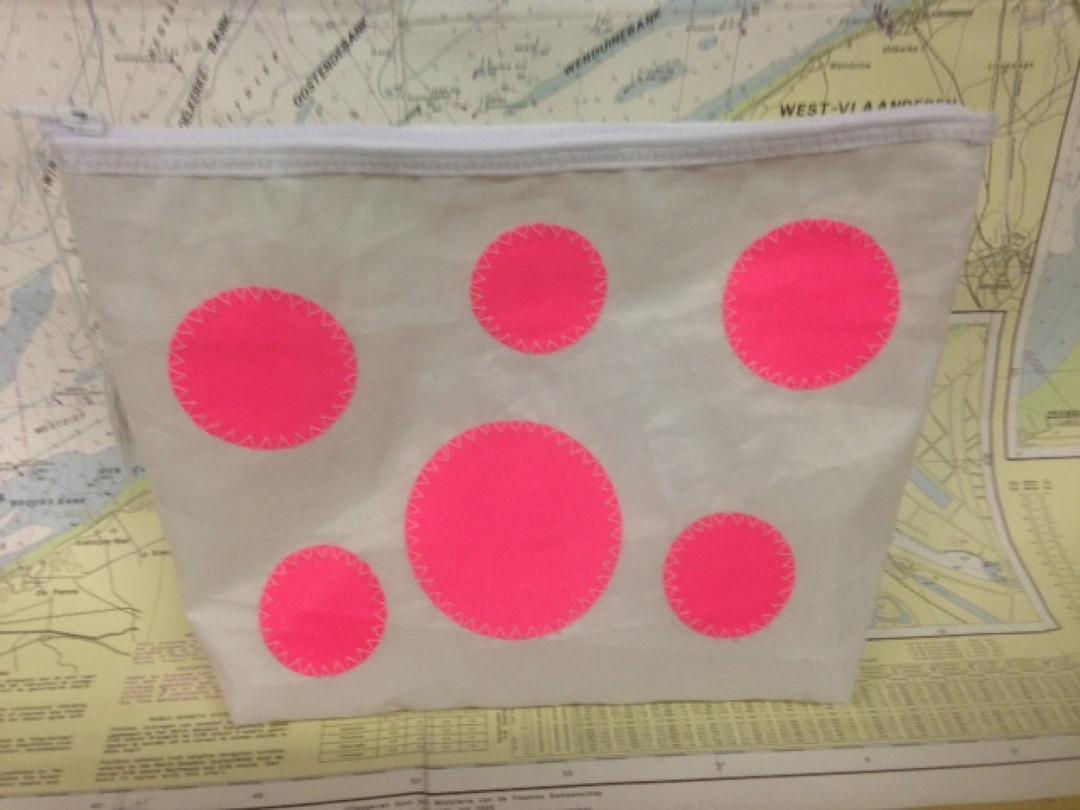 Toilettas roze bollen groot - Shopping De Panne