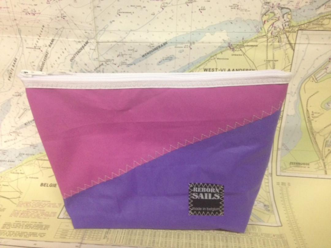 Toiletzak paars - roze - Shopping De Panne