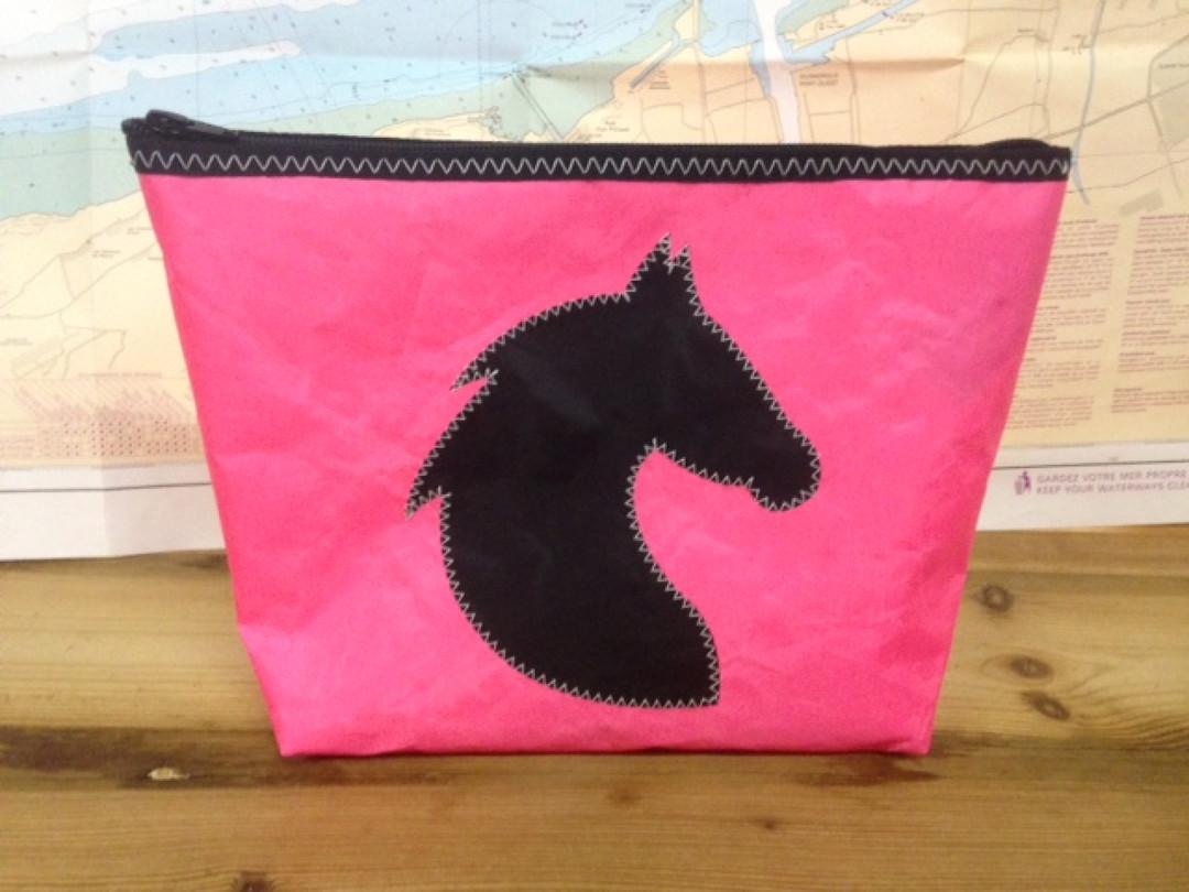 Toiletzak groot paard (roze) - Shopping De Panne