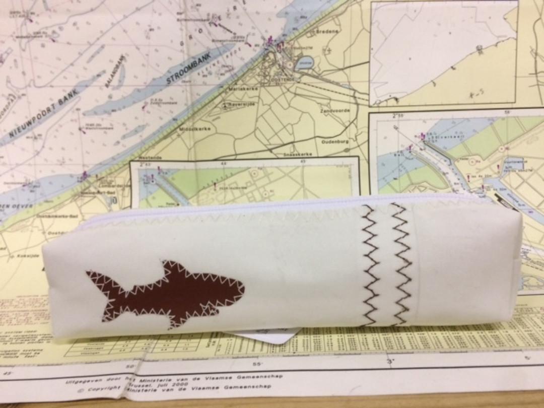 Pennenzak haai bruin (5) - Shopping De Panne