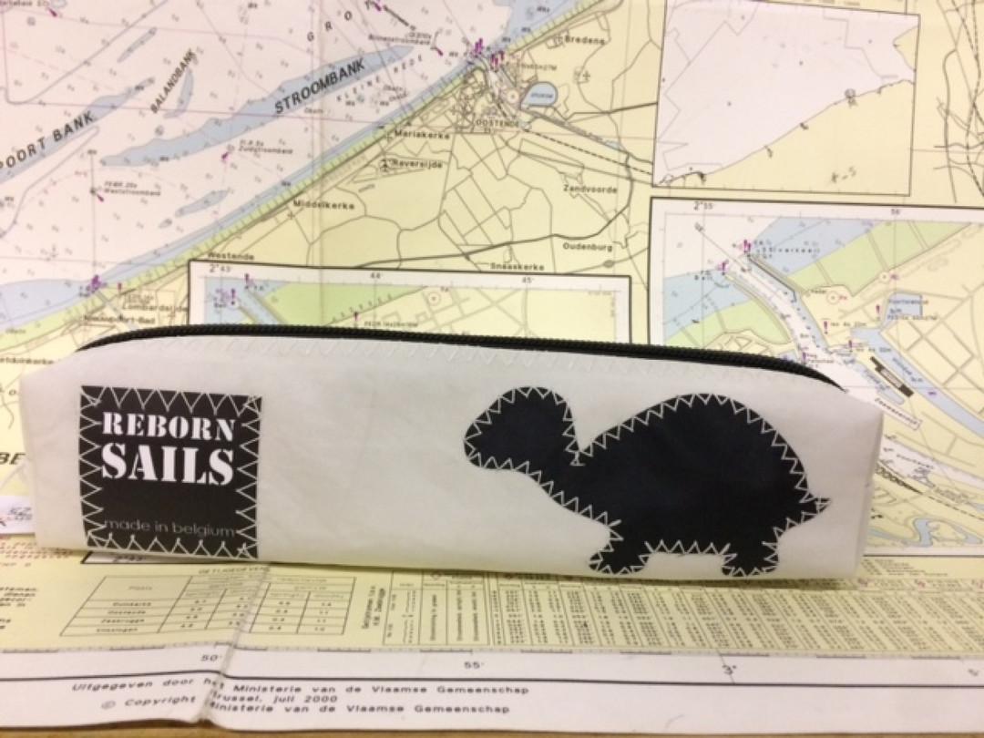 Pennenzak schildpad zwart (17) - Shopping De Panne